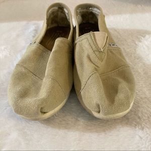Toms shoes size 10 slip on women's tan casual